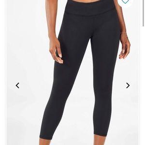 Fabletics Pants - Fabletics Capri workout leggings
